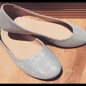 New in box sparkle flats